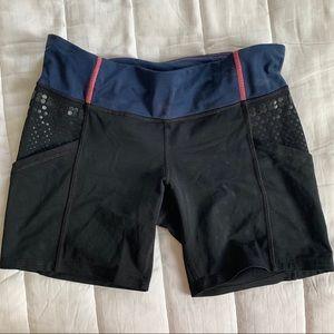 Lululemom size 6 spandex shorts